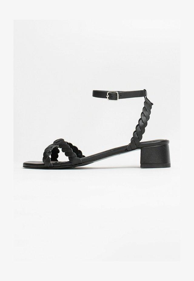 HACHI  - Sandały - black