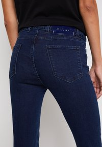 Pinko - SABRINA TROUSERS - Jeans Skinny Fit - dark blue - 5