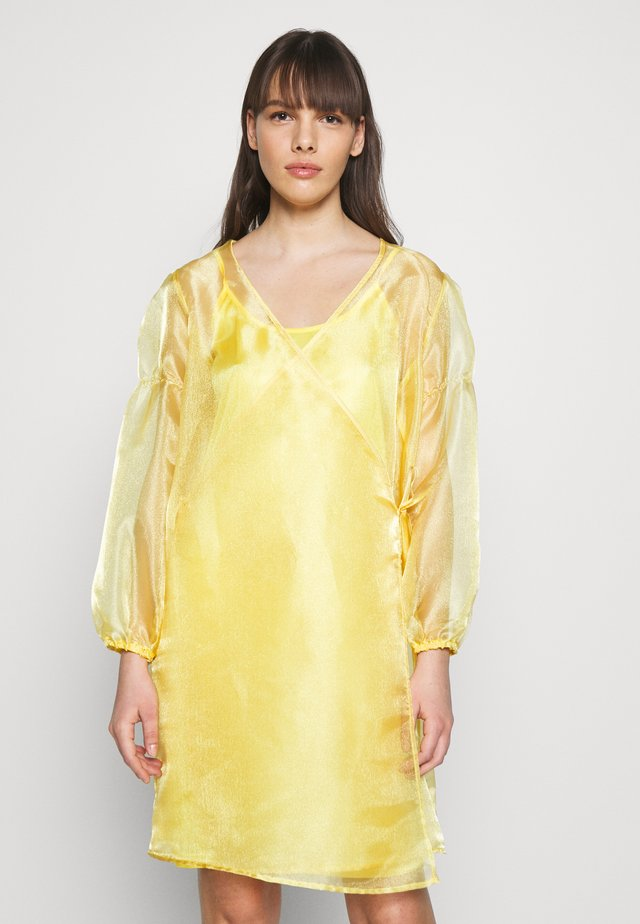 ROCKET DRESS - Day dress - yellow