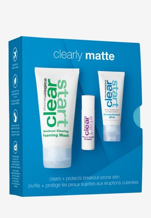 CLEARLY MATTE SKIN KIT - Skincare set - -