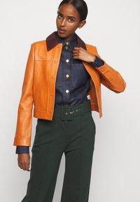 Victoria Victoria Beckham - PANNEL JACKET - Leather jacket - congac brown - 4