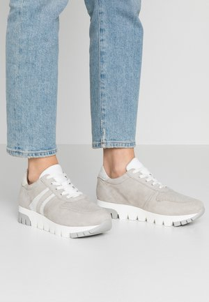 LACE-UP - Baskets basses - light grey