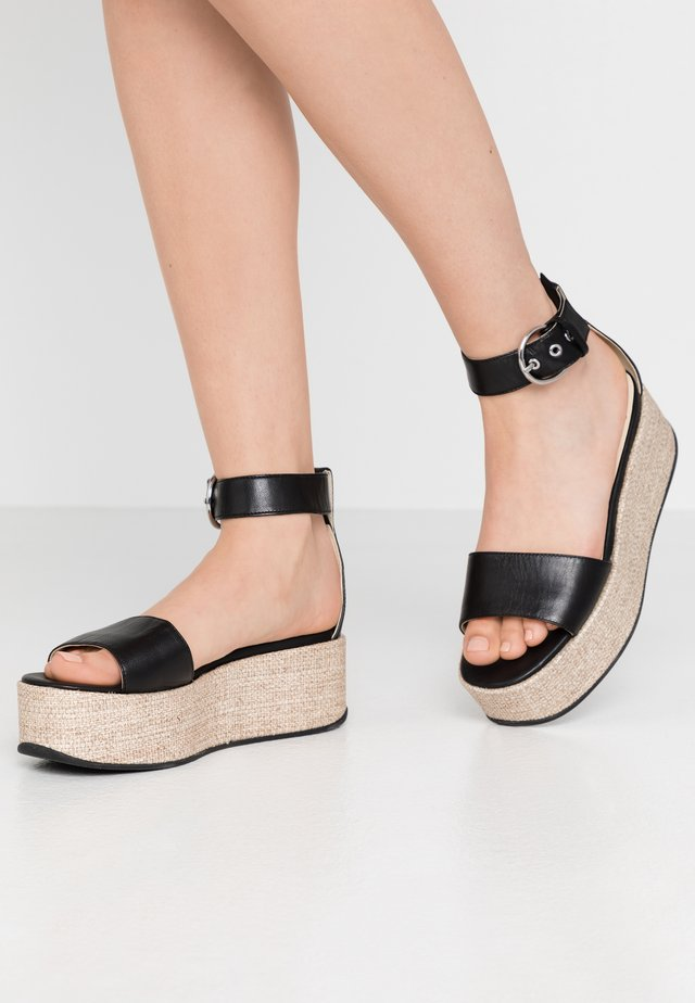 FELICIA - Sandales à plateforme - black