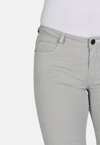 Cero & Etage - Shorts - petit stripe - 4