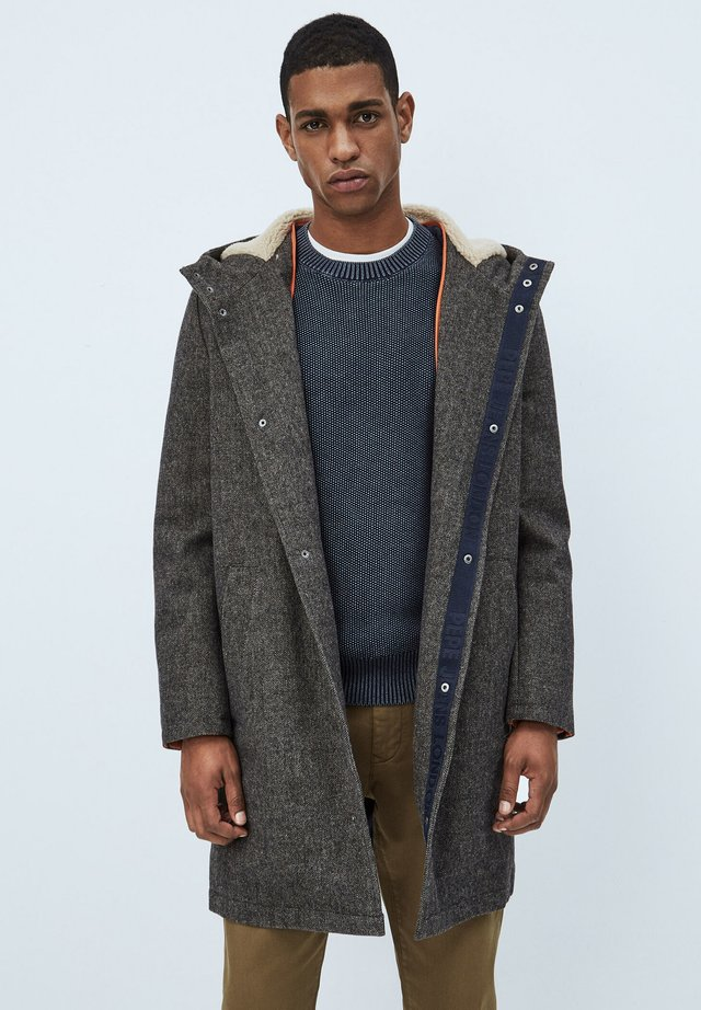 Abrigo clásico - heath