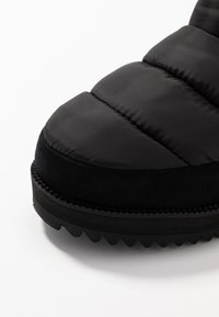 UGG - RIDGE MINI - Winter boots - black - 2