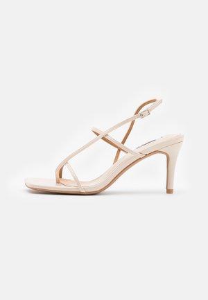 STRAPPY  - Sandaler m/ tåsplit - beige