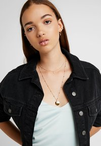 Astrid & Miyu - MYSTIC MOON NECKLACE - Necklace - gold-coloured - 1