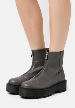 MIRANDA - Platform ankle boots - grey