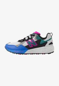 FRESH FOAM CRAG - Trail running shoes - grey