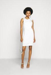 Just Cavalli - Pouzdrové šaty - white - 1