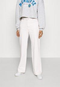 Monki - YOKO - Jeans Straight Leg - white light - 0