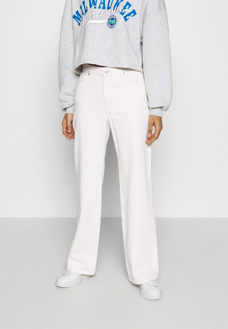 Monki - YOKO - Jeans Straight Leg - white light