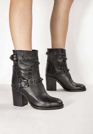 High heeled ankle boots - blackblk