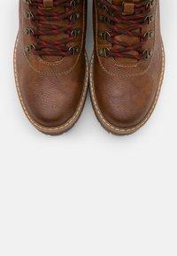 Mustang - Kotníková obuv - kastanie - 5