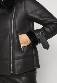 New Look Petite - CHRISSY AVIATOR - Faux leather jacket - black - 5
