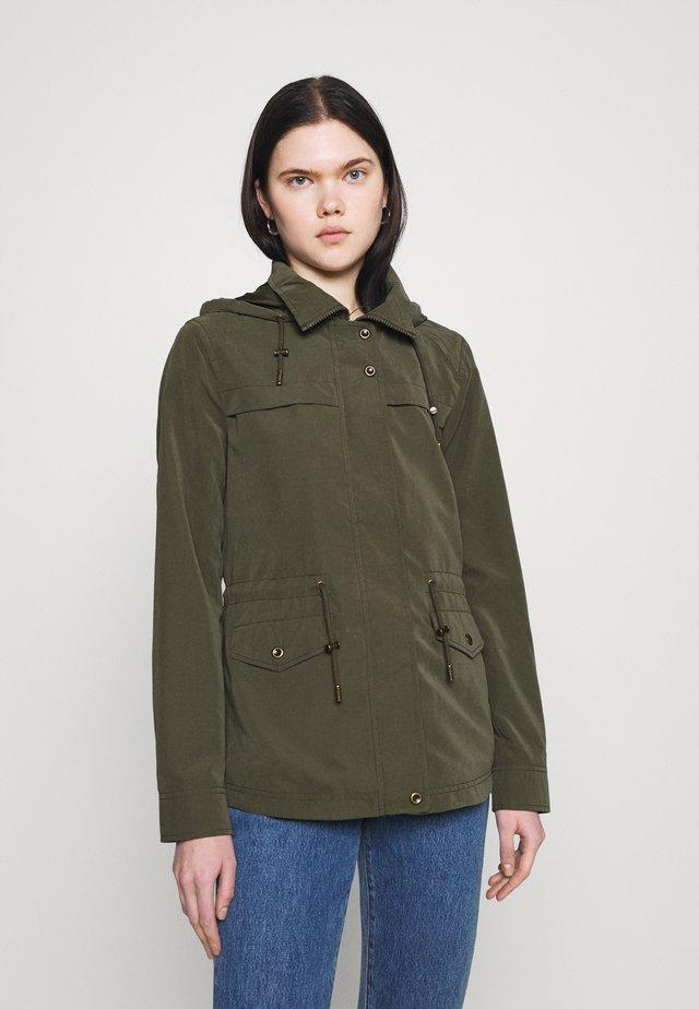 ONLNEWSTARLINE SPRING JACKET - Summer jacket - kalamata