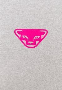 Dynafit - ALPINE PRO TEE - Print T-shirt - black out - 2
