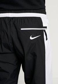 Nike Sportswear - AIR - Verryttelyhousut - black/white - 5