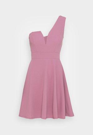 ANNIE ONE SHOULDER SKATER DRESS - Vestido de cóctel - mauve pink