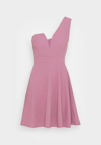 ANNIE ONE SHOULDER SKATER DRESS - Koktejlové šaty/ šaty na párty - mauve pink