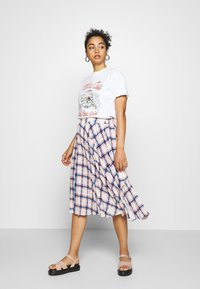 Topshop - MOTLEY CREW TEE BY AND FINALLY - Print T-shirt - white - 1