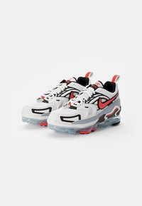 Nike Sportswear - AIR VAPORMAX - Trainers - summit white/crimson-black-reflect silver - 1