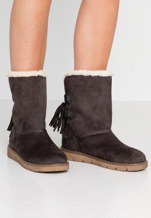 Kotníkové boty - coal