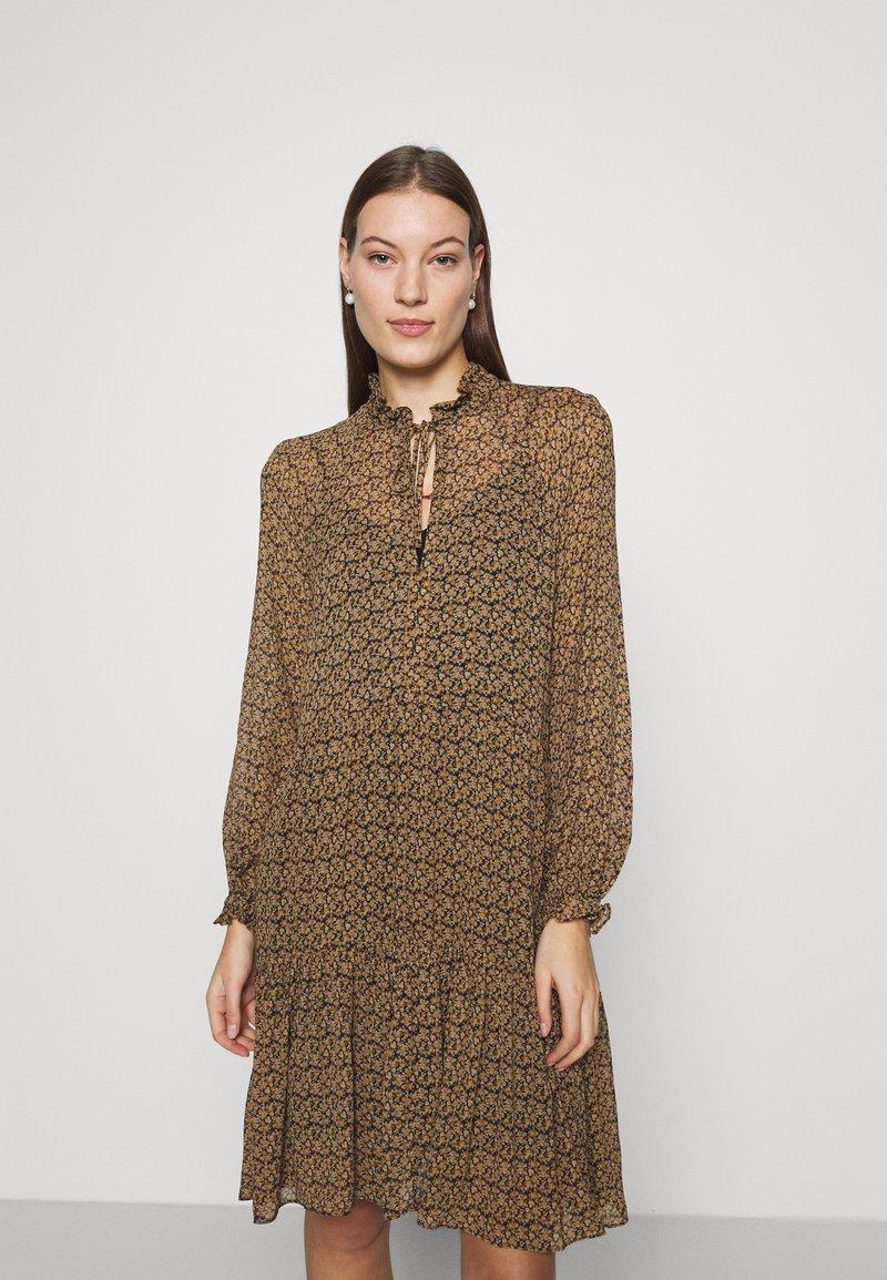 Second Female - PRADOTO DRESS - Denní šaty - bistre