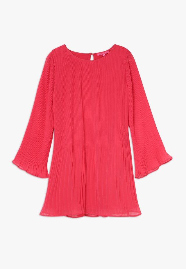 EGLANTINE - Robe de soirée - framboise