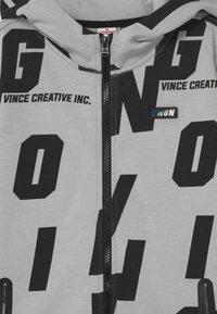 Vingino - ONTASH - Sweater met rits - deep black - 2
