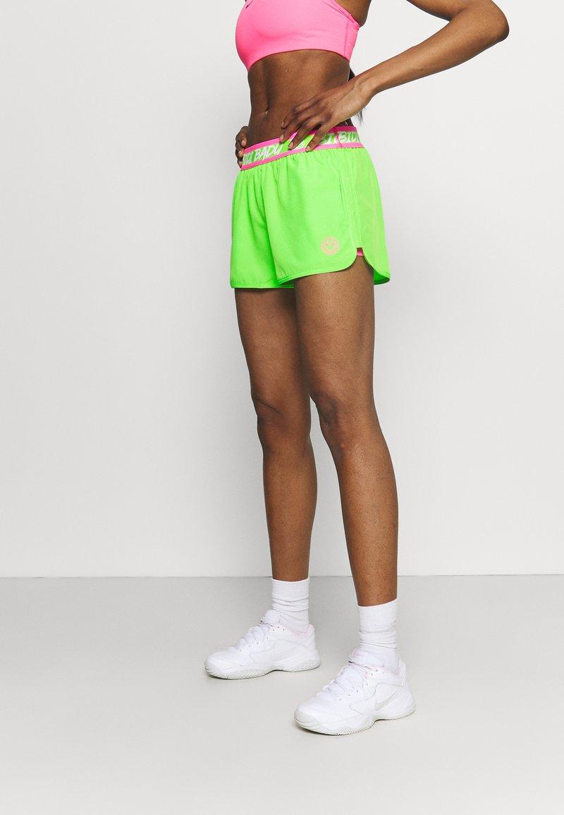 BIDI BADU - TIIDA TECH SHORTS - Sportovní kraťasy - neon green/pink