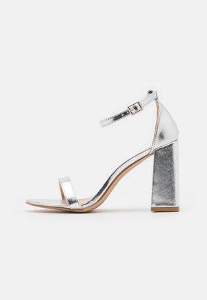 LORAINE - Sandály na vysokém podpatku - silver