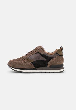 Sneakers laag - mohair/soil/schwarz