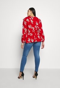 Zizzi - LONG SANNA - Slim fit jeans - light blue denim - 2