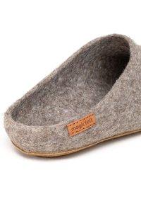 Magicfelt - Slippers - braun - 3