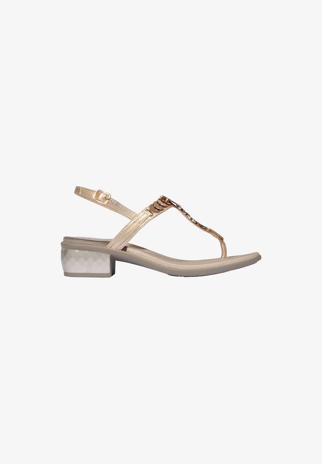 MIT ABSATZ CHRYSILLA - T-bar sandals - platino