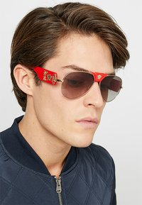 Versace - Sunglasses - red/grey gradient - 1