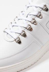 Nubikk - YEYE MAZE - Sneakers - white - 5