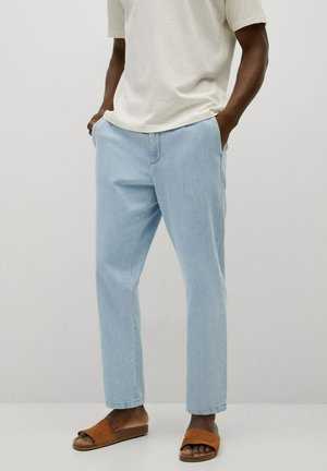 RELAXED FIT - Jeans straight leg - hellblau