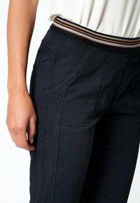 TONI - SUE - Trousers - darkblue - 3