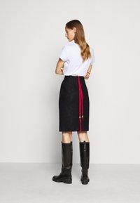 N°21 - Pencil skirt - black - 6