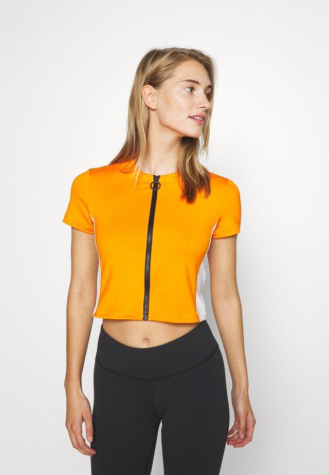WOR CROP - T-shirt basic - orange