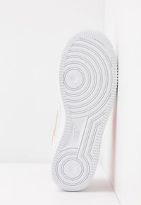 Nike Sportswear - AIR FORCE 1 - Trainers - white/total orange/platinum tint - 6