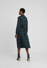 Dorothy Perkins Tall - CHECK WRAP DRESS - Hverdagskjoler - blue - 3
