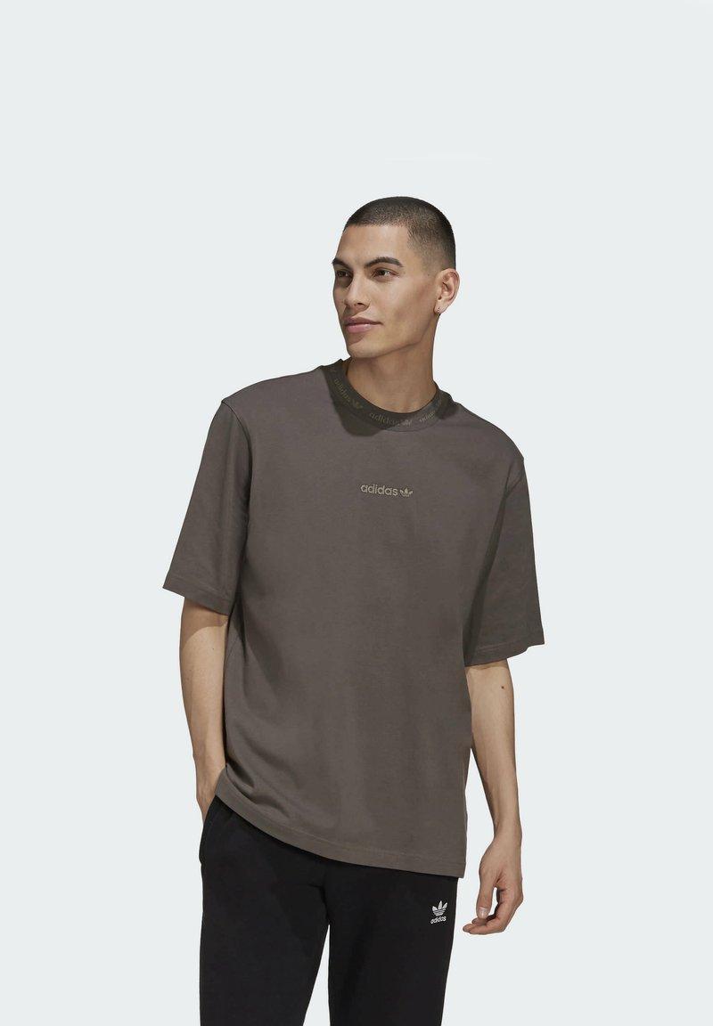 adidas Originals - RIB DETAIL  - Basic T-shirt - brown