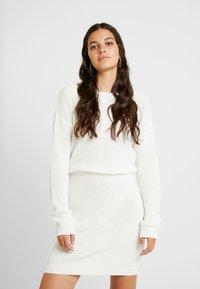 Even&Odd - Strikket kjole - off-white - 0
