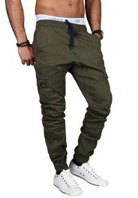 Alessandro Salvarini - DESIGNER - Cargo trousers - grün - 2