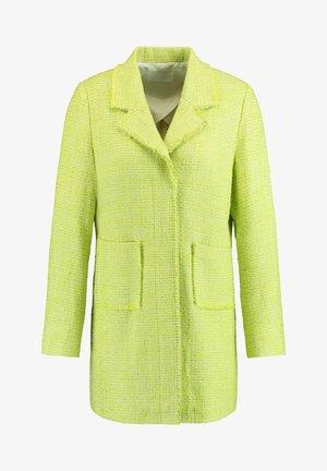 Short coat - light lime off white gemustert
