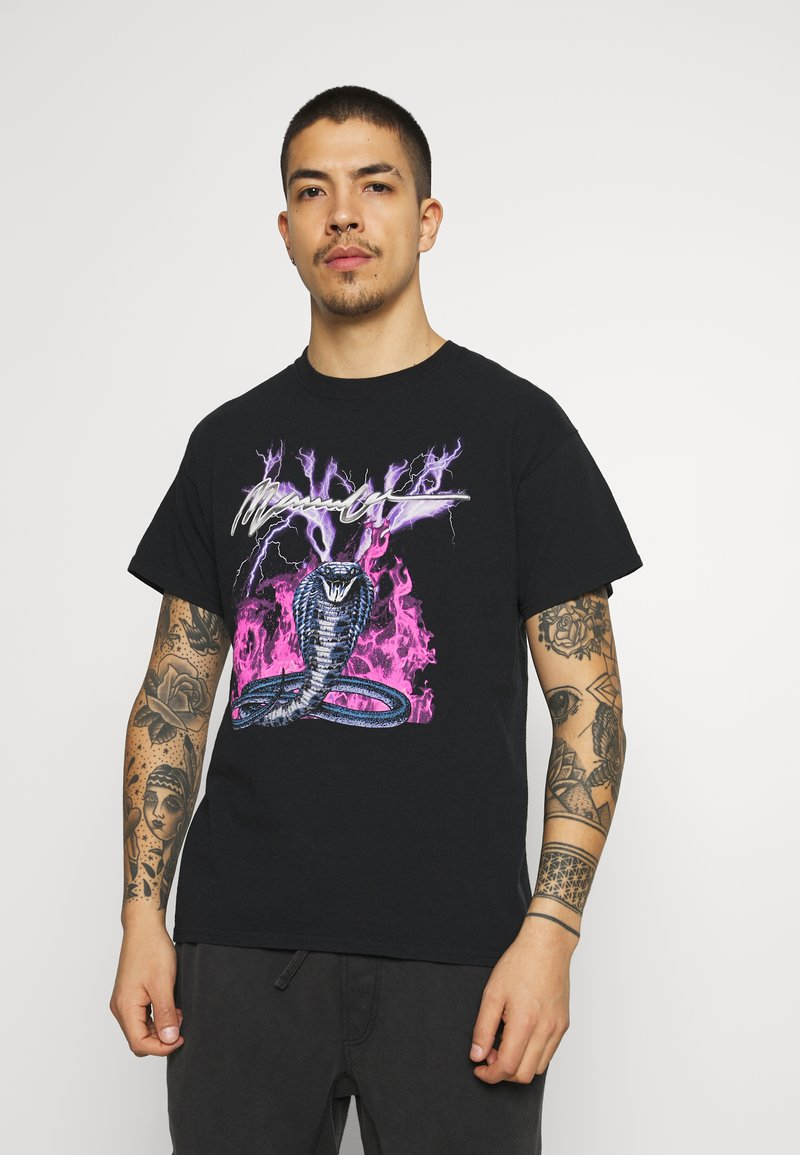 Mennace - ON THE RUN - T-shirt med print - black